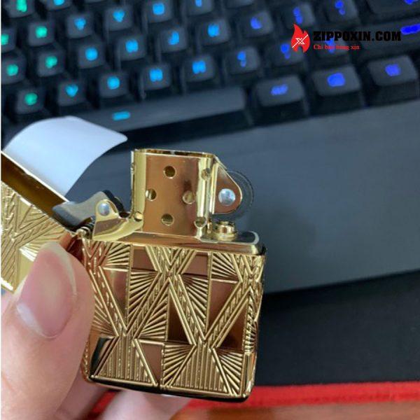 Hộp Quẹt Zippo mạ vàng kim cương khảm đá đỏ 29671-4