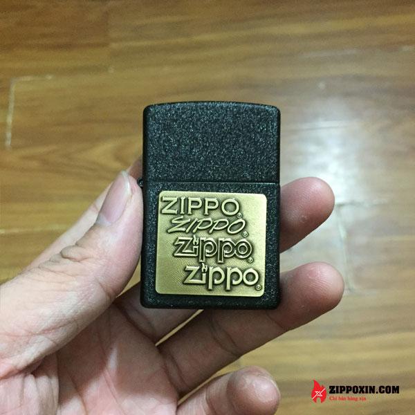 Hộp Quẹt Zippo Vỏ Đen Sần Ốp Logo 362-1